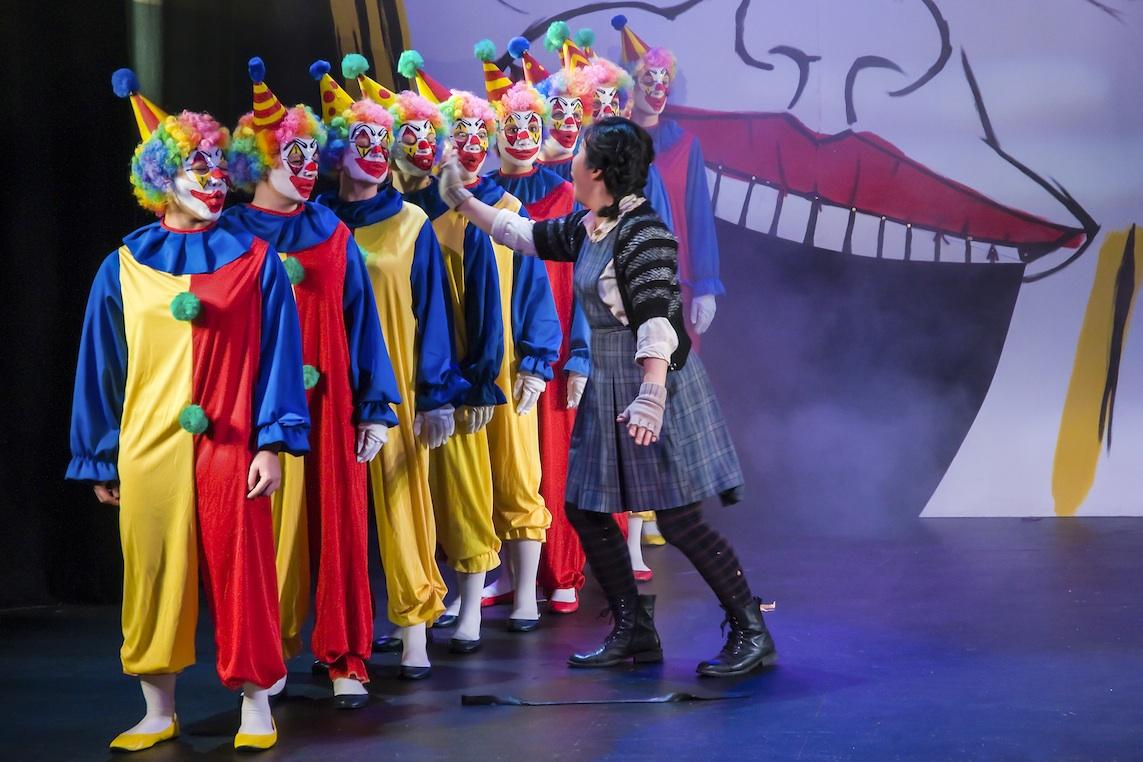 Eva and waking clowns